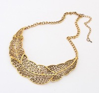 New 2014 Retro Hollow Gold Leaf Necklaces Women S391