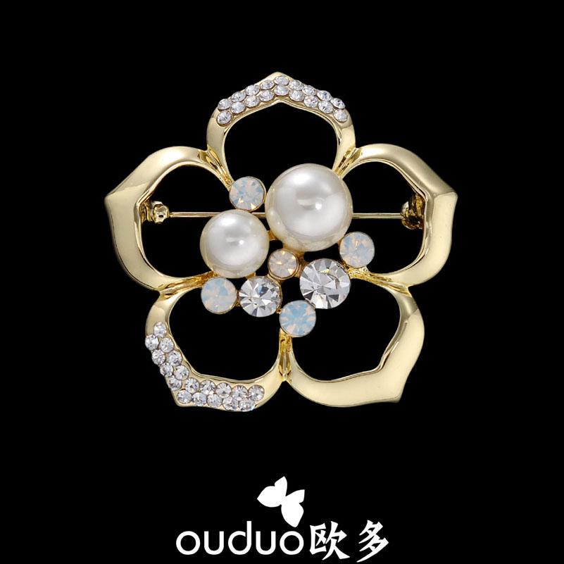 Beautiful Flower Brooch Silk Scarf Buckle Dual Pearl Rhinestone Match Clothing Cape Buckle Pin(China (Mainland))