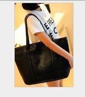 The spring of the new fashion trend crocodile handbag