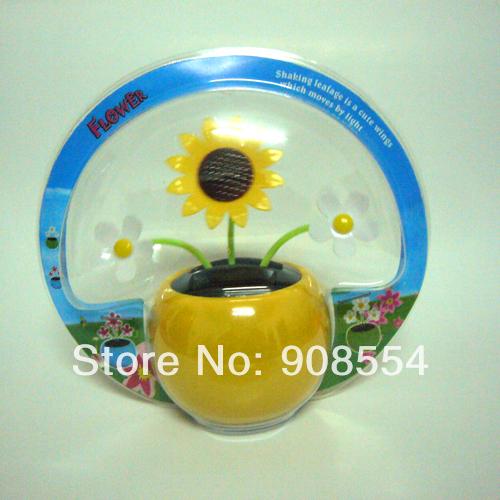 The Newest Style Wholesale 12 Pcs Per Lot Magic Cute Three Flowers Happy Dancing Flip Flap Car Decoration Novelty Solar Flower(China (Mainland))