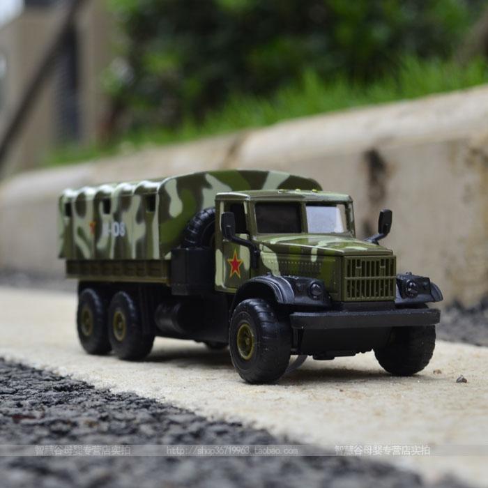 Alloy car models artificial car model 6/7 truck apc 008(China (Mainland))