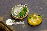 Mangohandmade . butterfly resin gem 25mm round