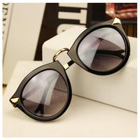 2014 New Vintage Sunglasses Women Fashion Brand Designer Rivets Sunglasses Cycling eyewear oculos de sol