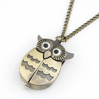 Vintage accessories jewelry pendant form bronze pocket watch beetle owl keychain child table