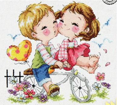 Вышивка девочка на велосипеде с мальчиком