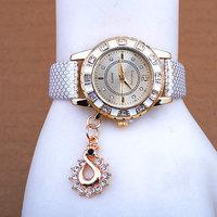 Neonatal Fashion Lady Dress Watches Luxury Swan Pendant Wristwatches Women Quartz Relogio Clock Free Shipping