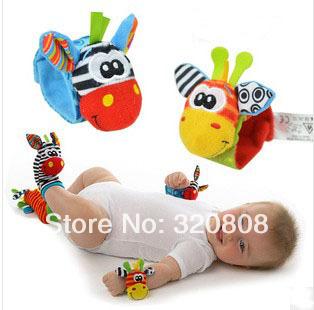 Venda quente curtas bebê recém-nascido meias pulso Rattle + Meias Pé 4pcs / lot(China (Mainland))