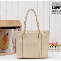 2014 European and American fashion new shoulder / handbag embossed Quilted bag embroidered casual handbag chain handbag