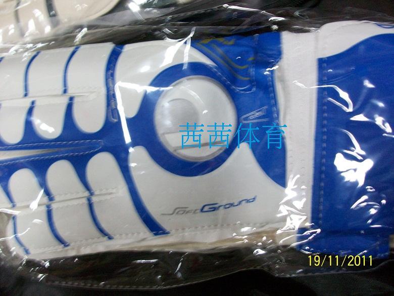 Gloves Latex full football uhlsport finger band goalkeeper gloves Free shipping(China (Mainland))