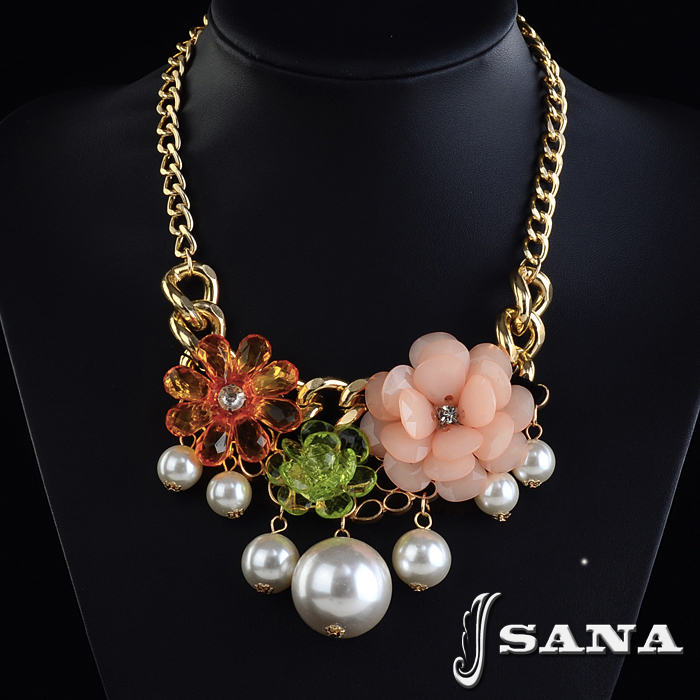 2014 New Style Glam Women Short Jewelry Fashion Gold Chain Resins Beads Flower Pearl Chokers Statement Necklaces(China (Mainland))