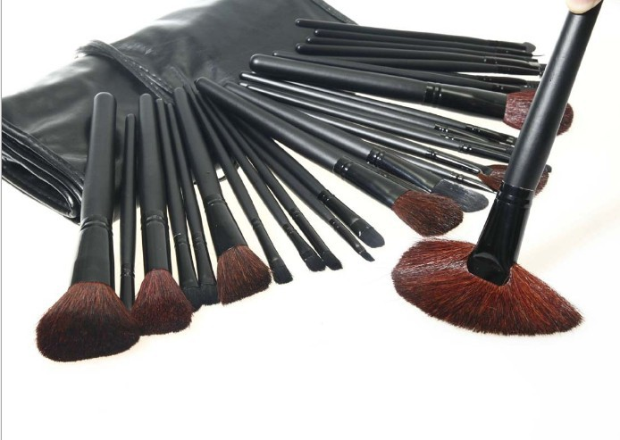 Professional 32 Pcs 32Pcs Make Up Brushes High Quality Facial Cosmetic Kit Beauty Bags Set Makeup Black Leather Bag
