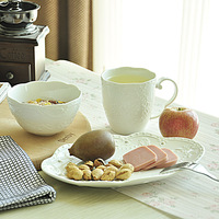 Embossed white cutout lusterware triangle combination set cup bowl plate dinnerware set