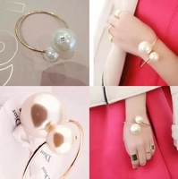 Gift Designer Jewelry Elegent Gold Color The size of the Pearl Bracelet Bracelet and Bangles Costume Jewelry 916