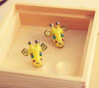 O 0230 Free shipping New Arrival fashion shining crystal yellow giraffe stud earring for lady