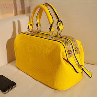 2014 new  japanned leather shiny casual shaping bag women's handbag autumn small fresh crocodile pattern doctor bag