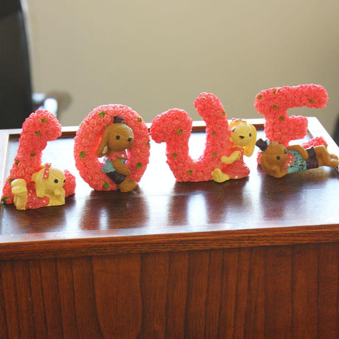 Love rabbit fashion resin home decoration lovers wedding gift crafts(China (Mainland))
