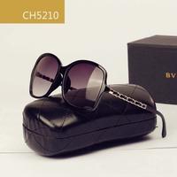 New 2014 Fashion Summer Famous Brand Women Sunglasses Travel Accessories Vintage Retro Oversized Sunglass Free Shipping