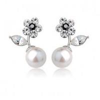 Elegant ol pearl flower stud earring -