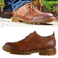 New winter men's casual shoes handmade leather stud men sneakers fashion first layer of leather shoes for men British men