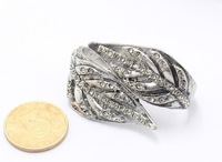 European pop punk retro style fashion exaggerated silvered leaf shape inlaid opal ring B100