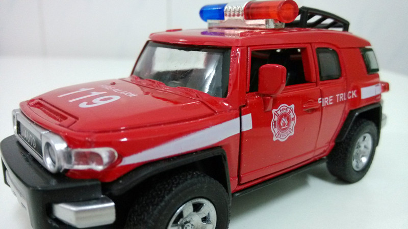 boys toys police fire truck model diecast metal cars kids toys cars red color with music and light(China (Mainland))