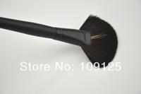 Pro. Large Fan Powder Foundation Finishing Long Handle Brush makeup TRACK