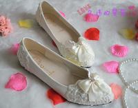 Handmade white lace women's single wedding shoes flower rhinestone pearls bow bridal shoes bridesmaid flat heel married