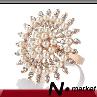 2014 Free Shipping New High Class Round Napkin Rings For Wedding Peal Diamond Napkin Holders For Table Decoration