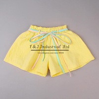 2014 Summer Girl Shorts Yellow Fashion Kids Pants Baby Wear With Green Belt Kids Clothes Children Wear
