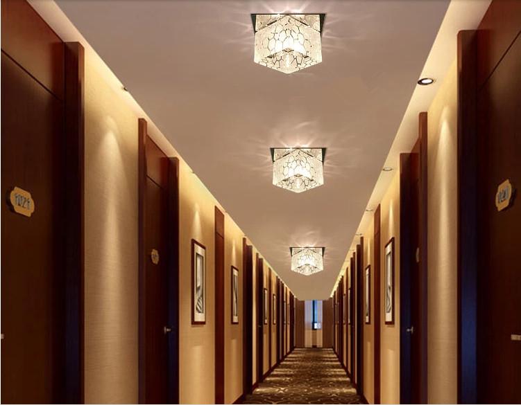 Люстру в коридор