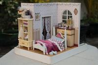 Handmade diy House Model Cindy's Happy Hour