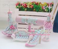 Blossoming Green models jewelry frame / sofa ring seat / high heels / bracelet holder