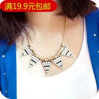 Fashion vintage punk geometry triangle decorative pattern corrugated oil female necklace fashion