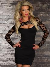 Vestido preto liso com manga longa em renda curto
