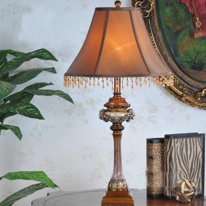 Acquista all'ingrosso Online Lampada da tavolo in ottone da Grossisti Lampada da tavolo in ...
