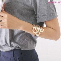 Street-chic Cutout Rose Pattern Cuff Fashion Statement Bangle 0911