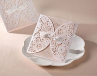 25 Pcs/Lot White Hollow Flowers Wedding Invitation Card with Envelopes and Seals