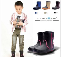 Rain shoes fashion and lovely children Warm antiskid shoes rubber overshoes water environmental protection rubber shoes