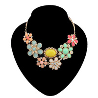 HOT 2014 Free Shipping Colorful Resin Flower Statement Necklace Gold Alloy Chunky Necklaces & Pendants Women Jewelry