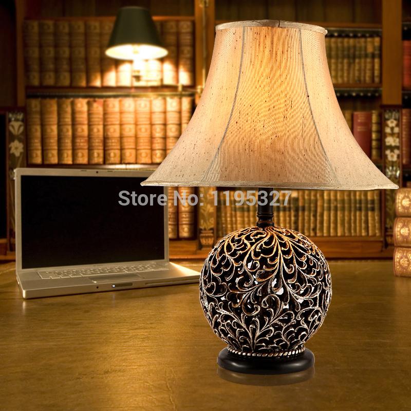 Europa stile classico vintage lampade da tavolo in resina per camera ...