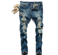 2014 Korean version of the hot styles of embroidery Slim Straight jeans male beggar jeans hole