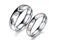 Europe New Fashion Jewelry Titanium Steel With CZ Diamond Crystal Lovers Couple Wedding Engagement Rings For Women And Men Party