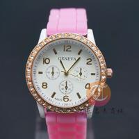 Casual Watch Geneva Unisex Quartz watch men women A diamond wristwatches Sports Watches Rose Gold Silicone watches Dropship