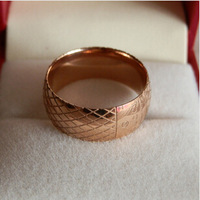 2014 New Arrival 316L Titanium Steel Luxury Brand Grid Pattern Logo Simple Wide Lover Ring For Men and Women