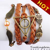 free shipping fashion Geometric patterns gift jewelry  21 cm Auto Adjusted Cool rivet Hand chain Leather women Bracelets TB0553