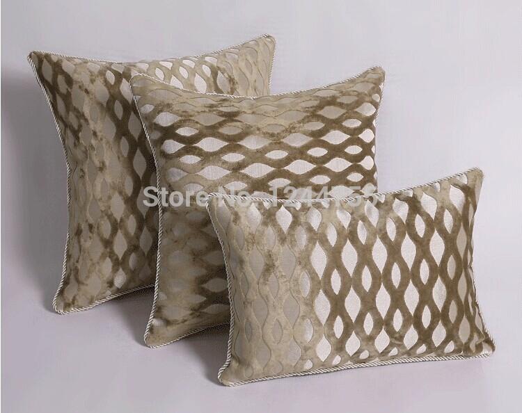 Beige vague motif coussins de t te de lit en bois massif for Coussin pour lit de jardin