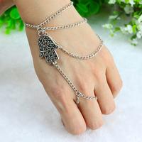 Asymmetric Mens fashion Women Hamsa Fatima Finger Ring Slave Chain Hand Harness 0437