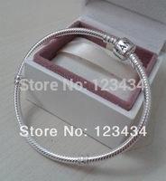 Free Shipping 925 Silver bracelet fashion jewelry. chamilia beads bracelet
