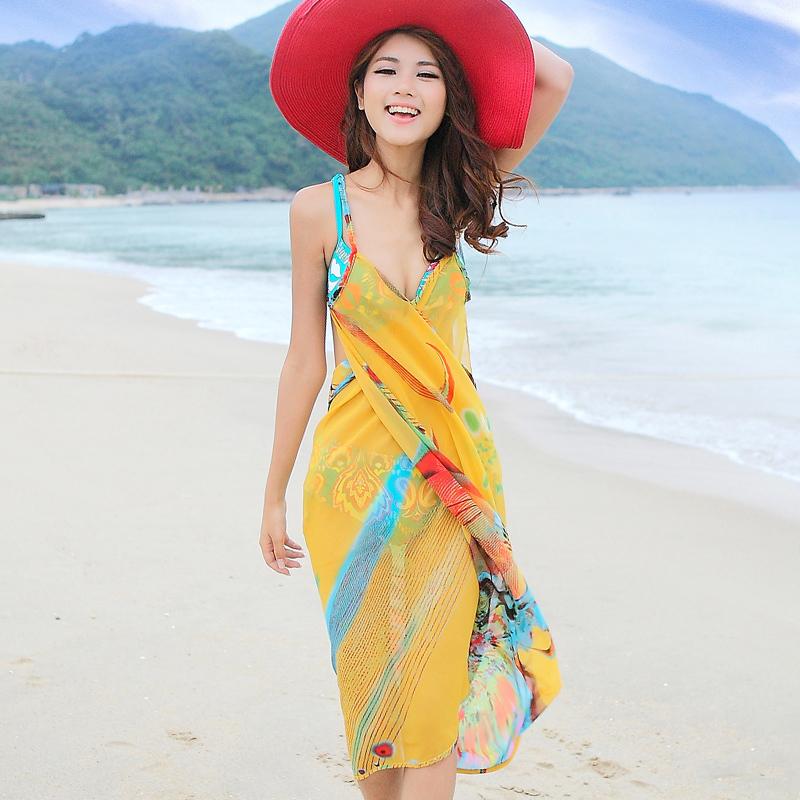 Model baju pantai sederhana