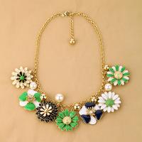 New York Rosey Park Statement Necklace  Pendants  Little daisy flowers for women